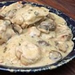 Chicken with Mushroom and Wine Sauce